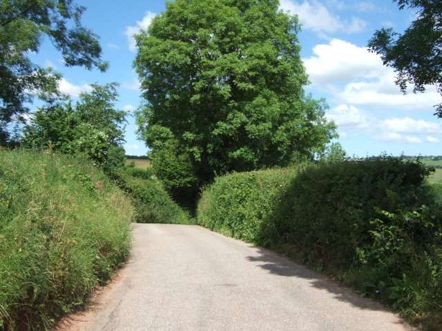 Road to Leys Cross