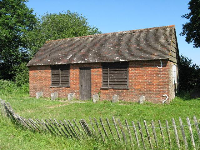 Unknown building at Heyshott Green