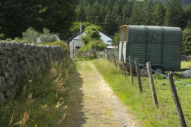Track to Grassguards farm