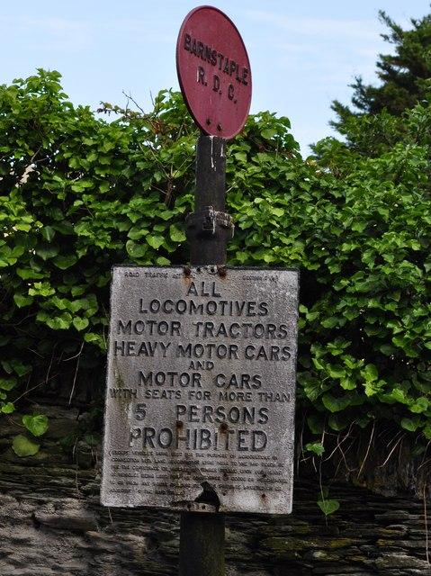 Old Road sign in Mortehoe
