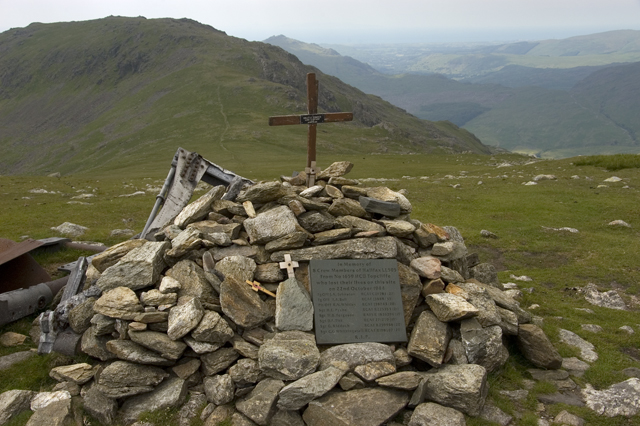 Memorial cairn and plaque to the crew of Halifax LL505