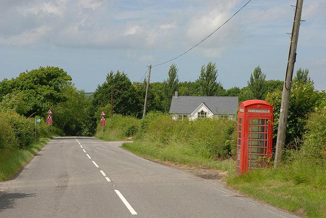 Rhos-y-garth telephone box