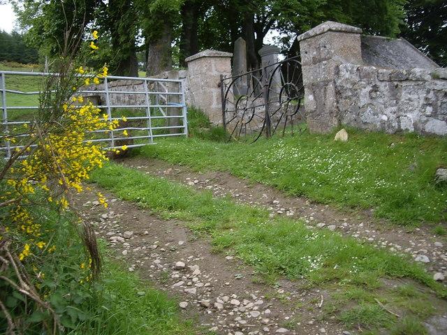 Gated entrance to Migvie kirkyard
