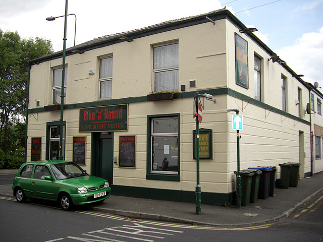 Bike 'n' Hound pub, Hyde