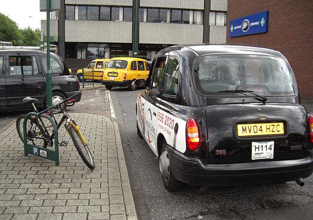 Long Meadow taxi rank, Hyde