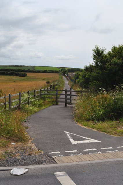 A footpath which leads from the B3343 to Ossaborough Lane
