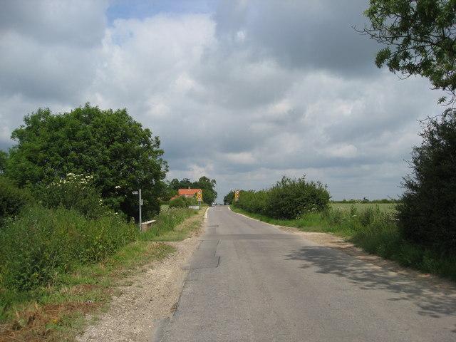 Approaching North Cockerington on School Lane