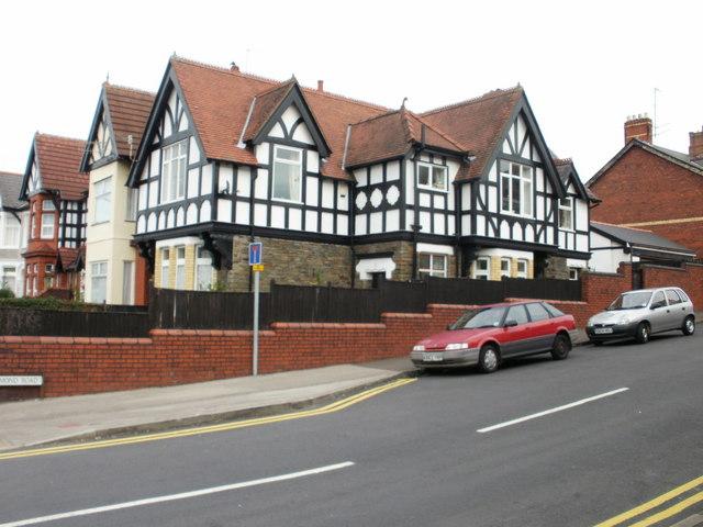 Richmond Lodge, Newport