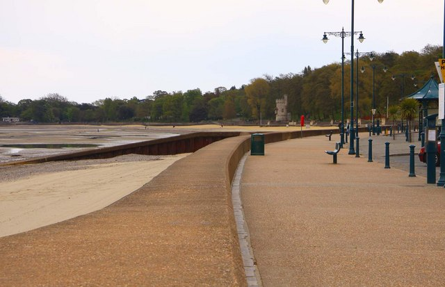 The promenade at Ryde looking east