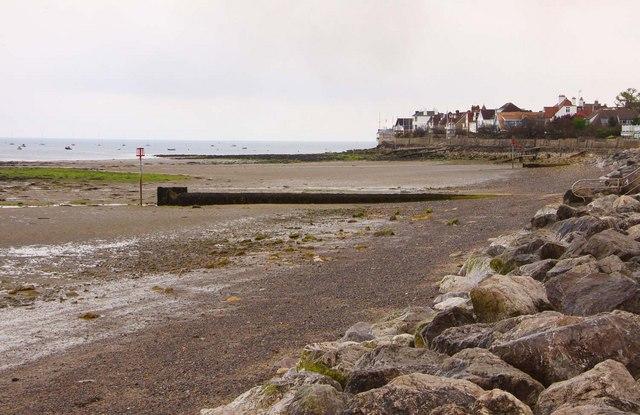 The beach towards Nettlestone Point