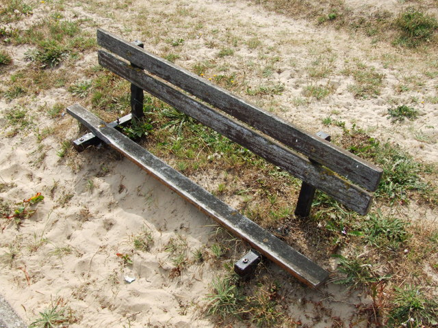 Bench lost in the sand, Dymchurch