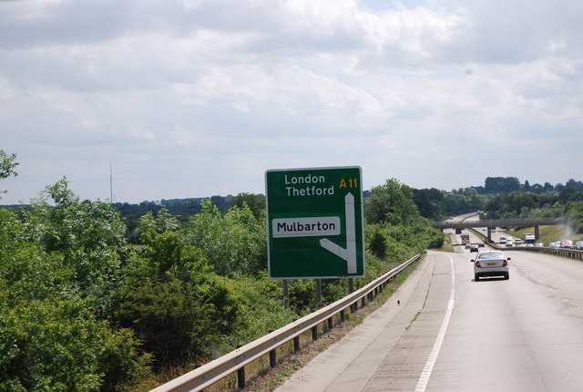 Approaching the Mulbarton turn off, A11
