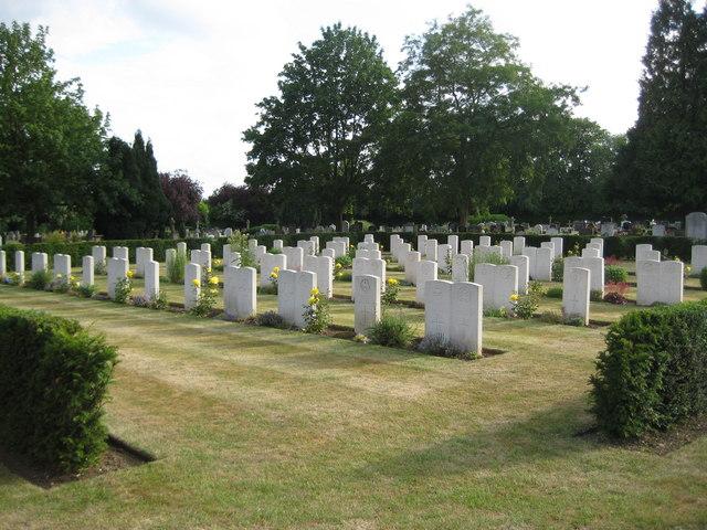 St Albans: Hatfield Road Cemetery War Graves