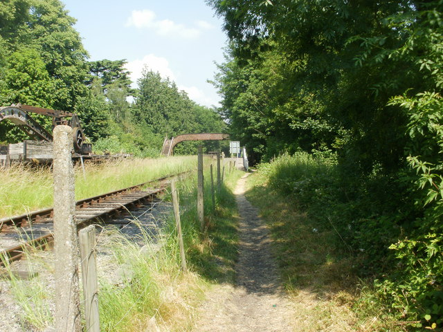 Access path to St Mary's Halt, Lydney