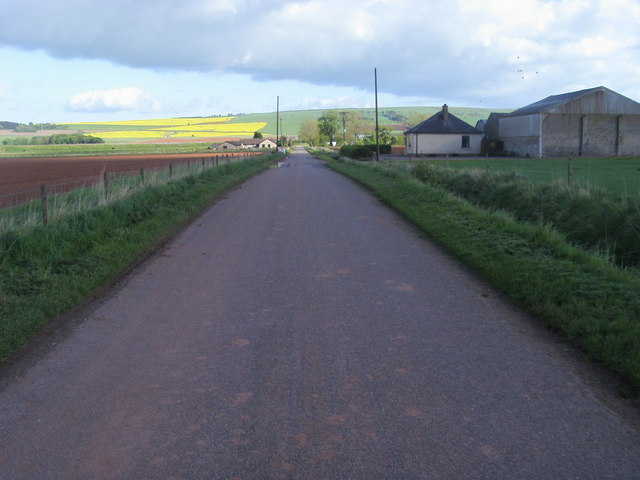 Road nearing Lower Powburn