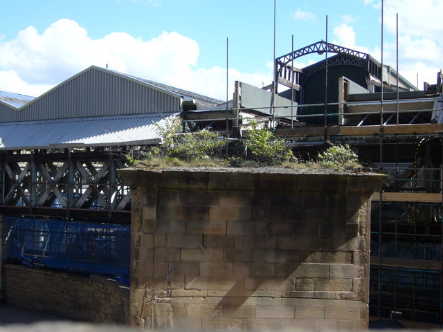 Last days of the old Waverley footbridge