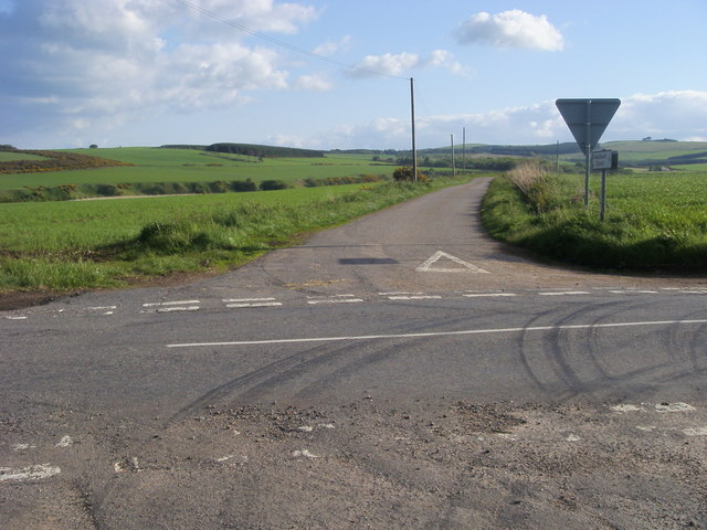 Road to Arbuthnott Church