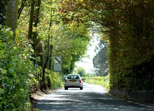 2010 : B3355 Silver Street leaving Midsomer Norton