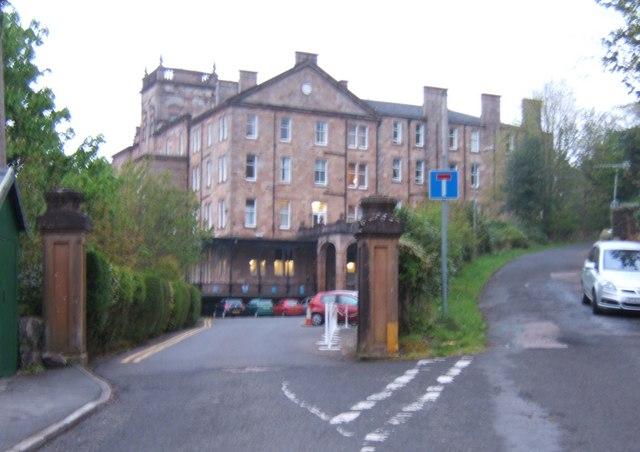 Vehicular entrance to the Glenburn Hotel