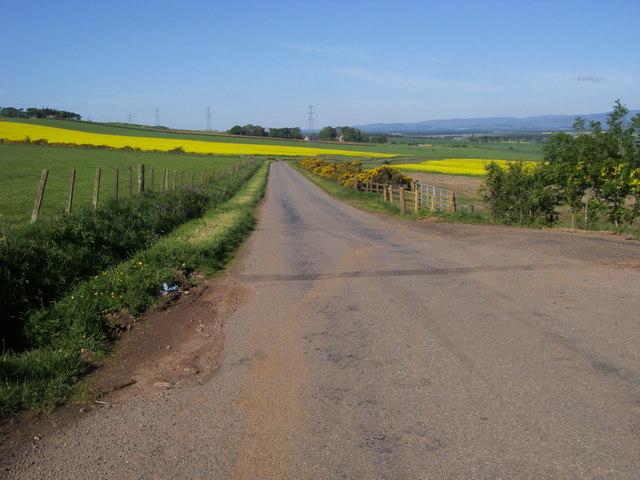 Road to Upper Powburn