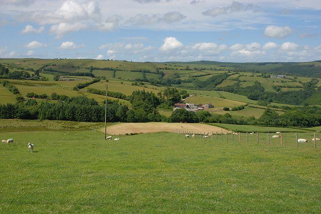 Fields around Fairdre Fawr farm