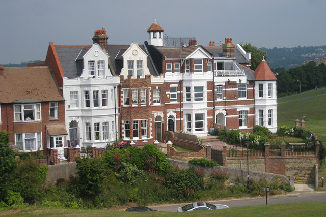 Houses on Castle Hill Road