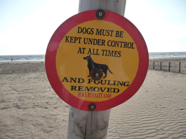 Brean : Brean Beach - Dogs Must be under Control