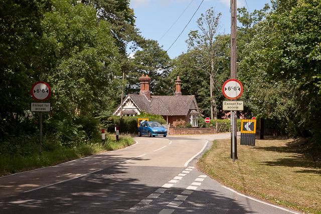 Sharp turn in Highwood Lane