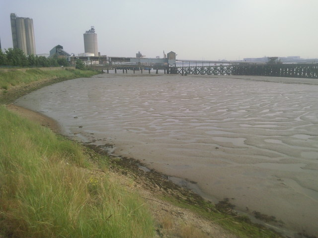 River Thames and Erith Oil Works