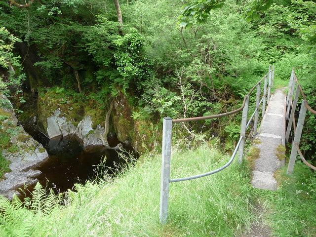 Footbridge over the Afon Mynach