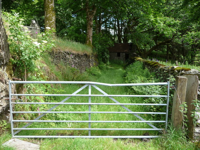 Old droveway and stone building at Llaneithyr