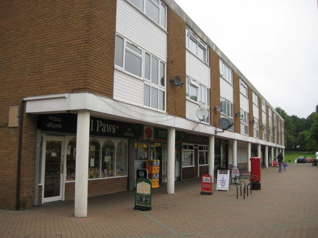 Bracknell: Wildridings shops