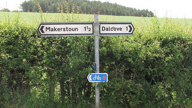 Signpost near Millfield