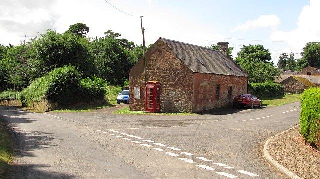 Telephone box, Makerstoun