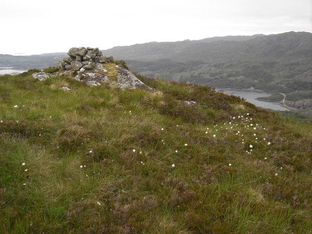 Summit cairn, Cruach Doir'an Raoigh.