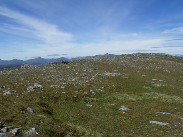 The summit ridge of Beinn Bhreac-liath looking north