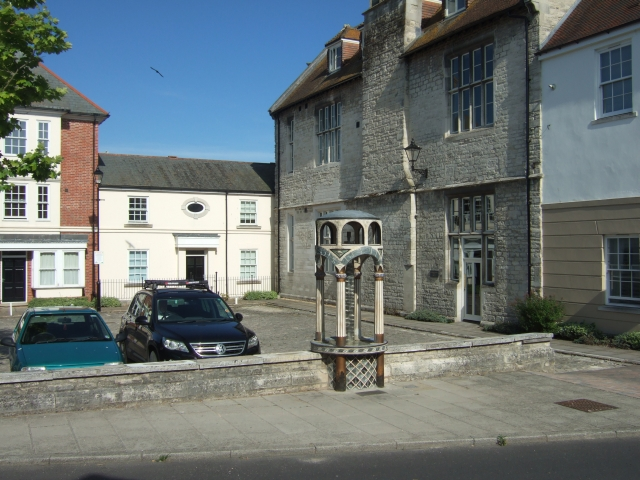 The Roman Fountain, Somerleigh Road