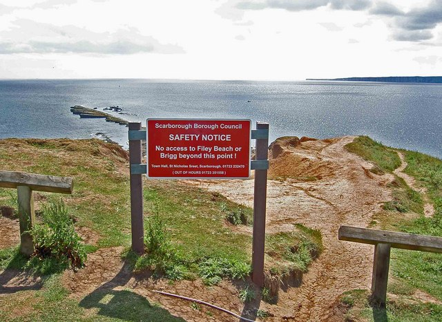 Safety notice, no entry to Filey Brigg