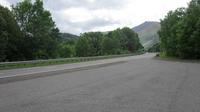 Huge lay-by and the A66 heading away from Keswick