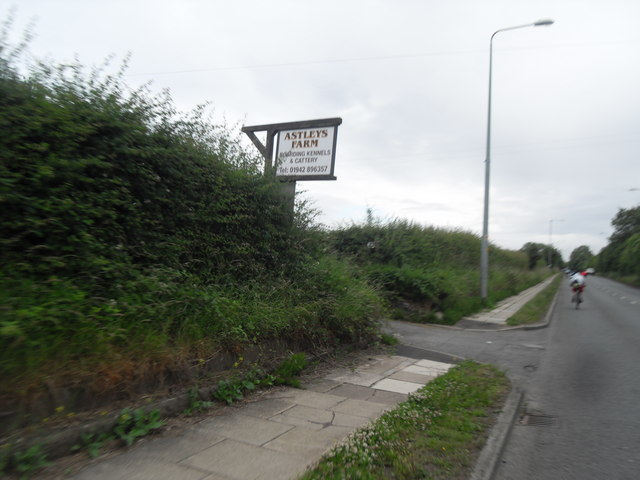 Entrance to Astley's Farm off Schofield Lane