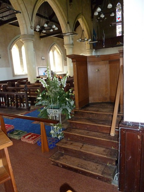 St John the Apostle, Marchwood- floral display (1)