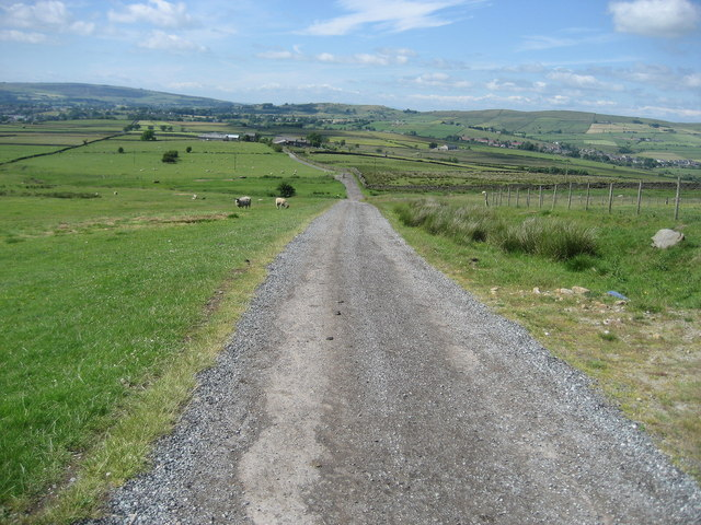 Access Lane leading to Great Thorn Edge
