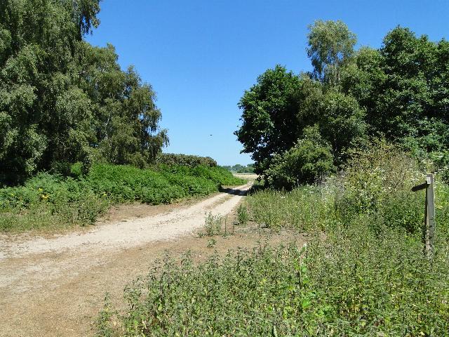 Footpath near Stanley Carrs