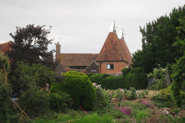 Oast House at Whistlers Farm, Howgreen Lane, Edenbridge, Kent