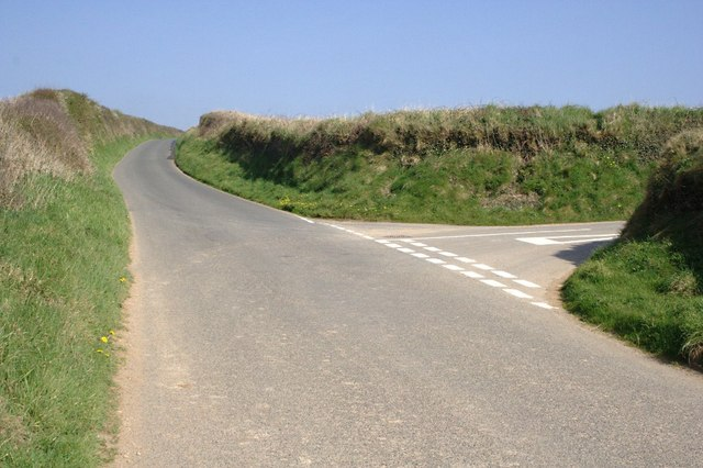 Junction on the Road from Port Gaverne