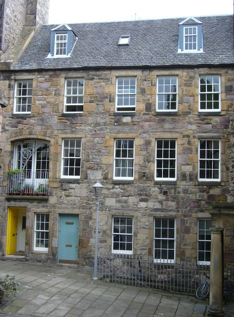 Tweeddale Court tenement, High Street
