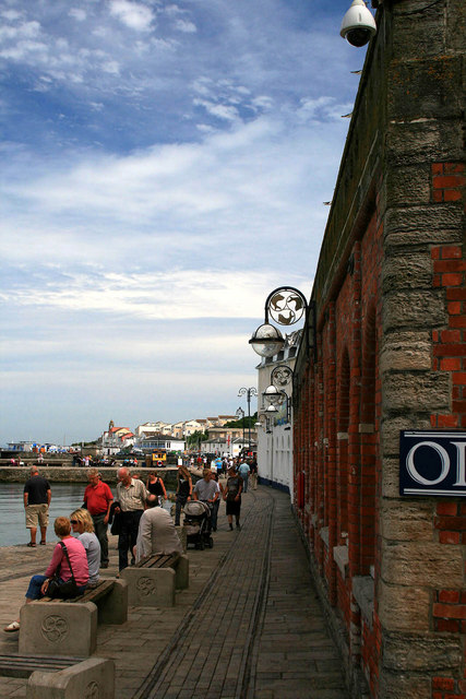 A crowd on the quayside at Swanage