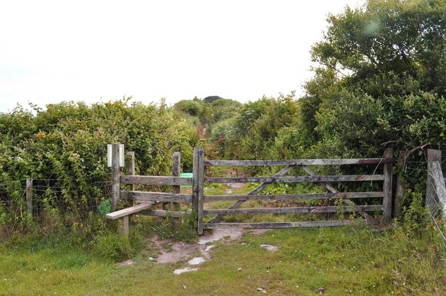 A stile a short distance from Warcombe Lane