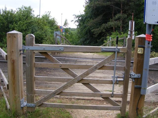 Footpath level crossing