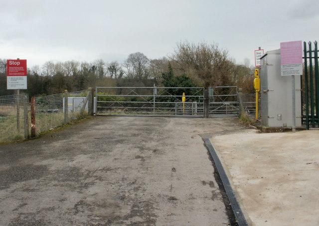 Ponthir level crossing approach